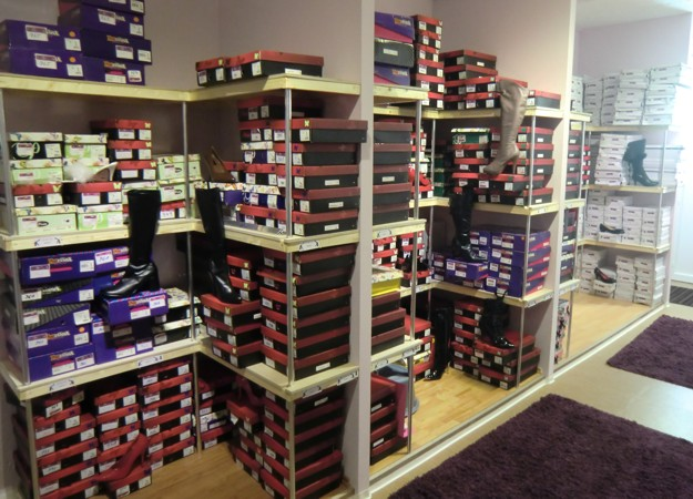 ladies-shoes-showroom-schwaig-nuernberg.jpg